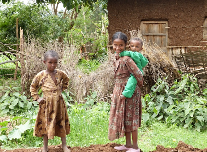 Children of Mosebo Village, Ethiopia. Photo credit: Nicole Melancon.